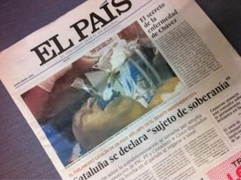 Chávez intubado en 'El País'. Foto falsa.